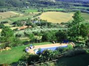 La piscina e l&#39;oasi naturale - Agriturismo Casale di Colle