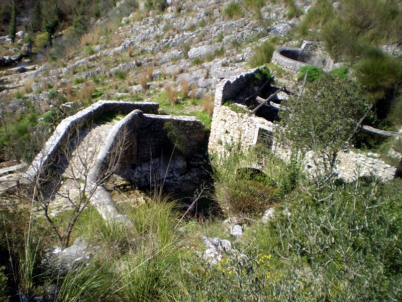 Auso Springs - medieval bridge and mill