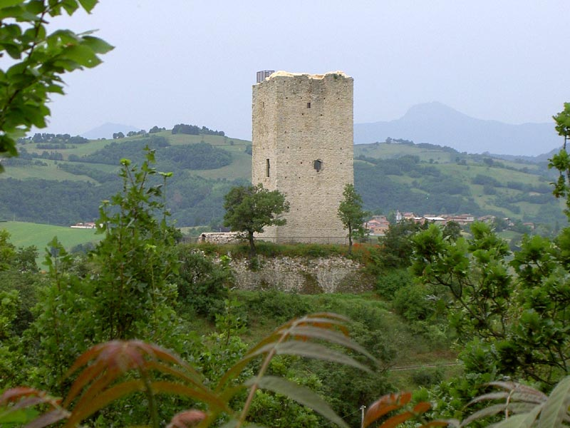 Rossenella Tower from Rossena Castle