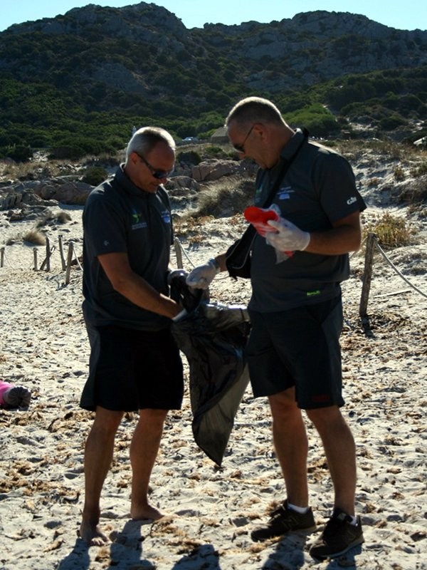 Cleaning of the beaches
