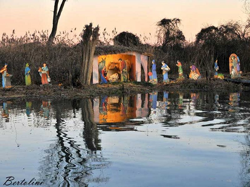 Christmas Crib on the water in Rivalta sul Mincio
