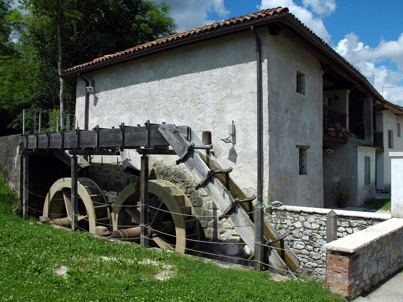 Santa Giustina Mill, outside