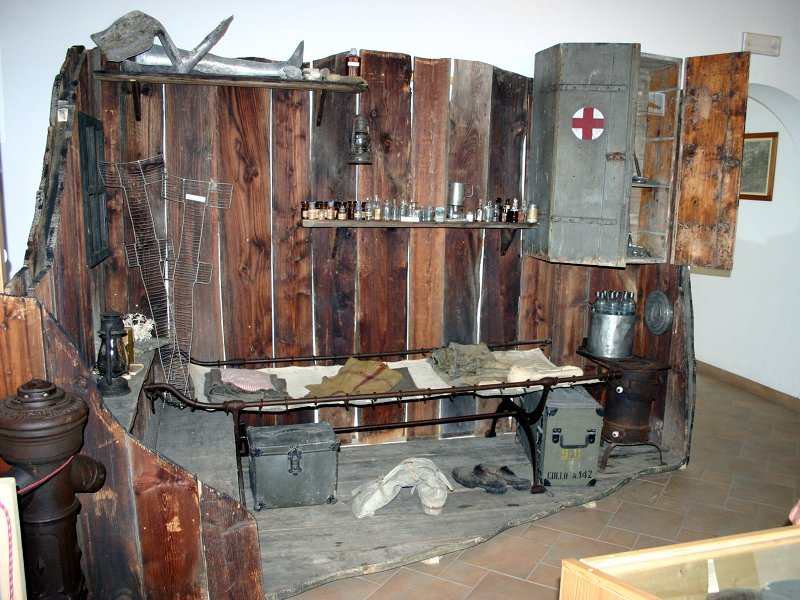 Peio War Museum. Reconstruction of the infirmary