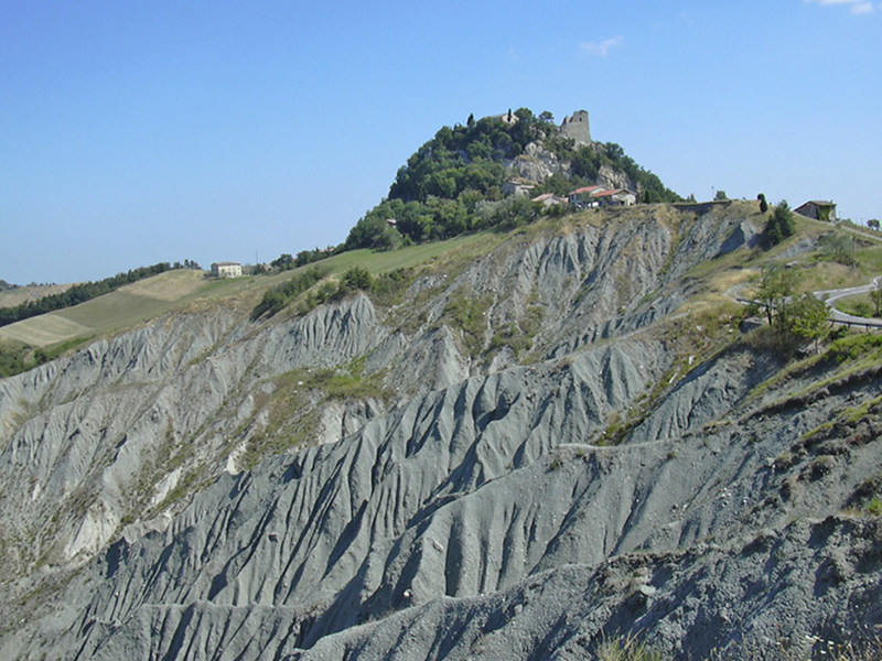 Canossa castle, Cliff and Ravines